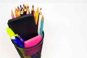 17 Best Things to Sell at School to Make Money Easily